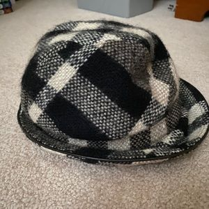 burberry bucket/equestrian hat